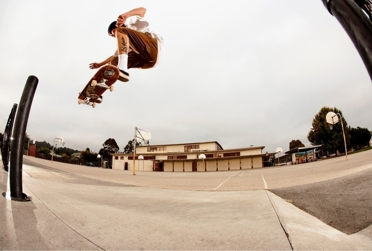 Mikey Curtis Santa Cruz, CA - skateboarding - kevinbiram | ello