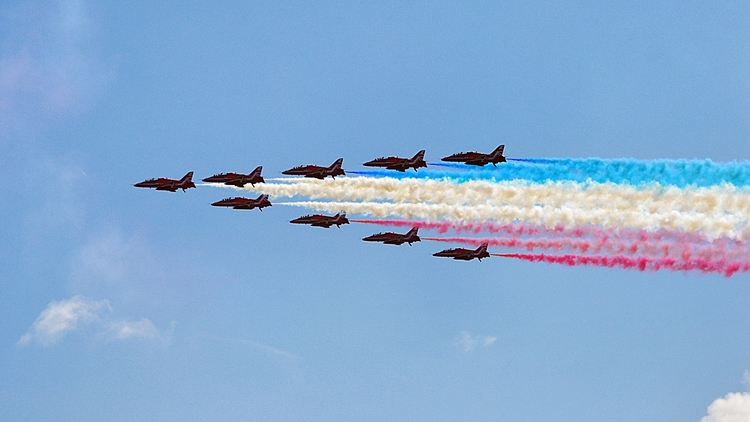 RedArrows Airborne Eastbourne - mrpaulanthony   ello