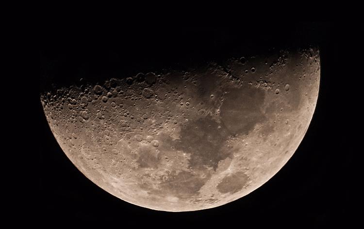 Moon, 21 April 2010 - takosys | ello