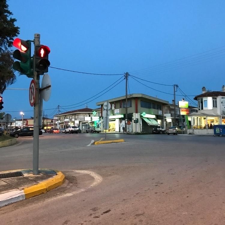 traffic light - jacmar | ello