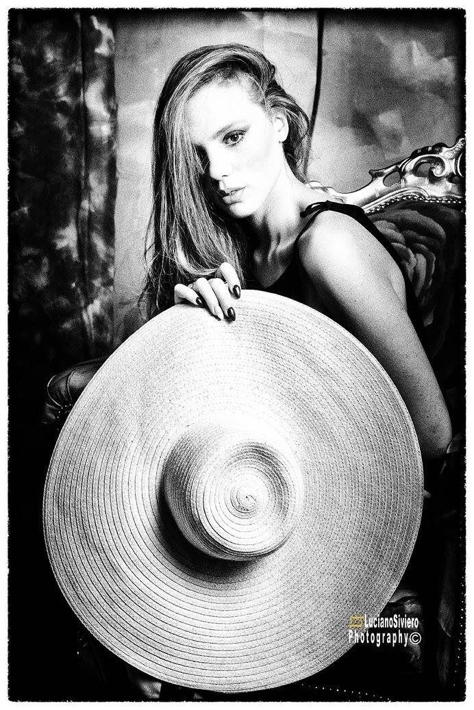model, fashon, photo, elegance - unsoundmind_ | ello