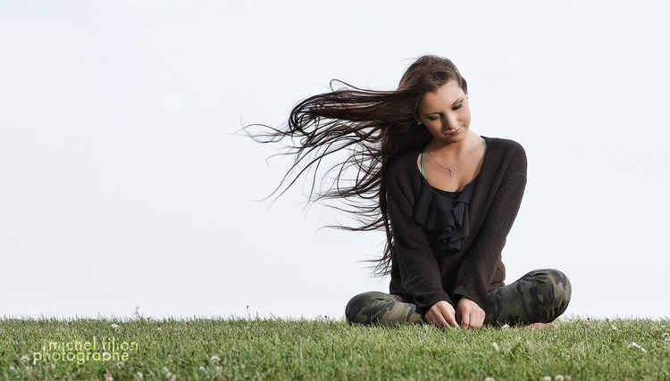 Outdoor shooting! windy - portrait - portrelle | ello
