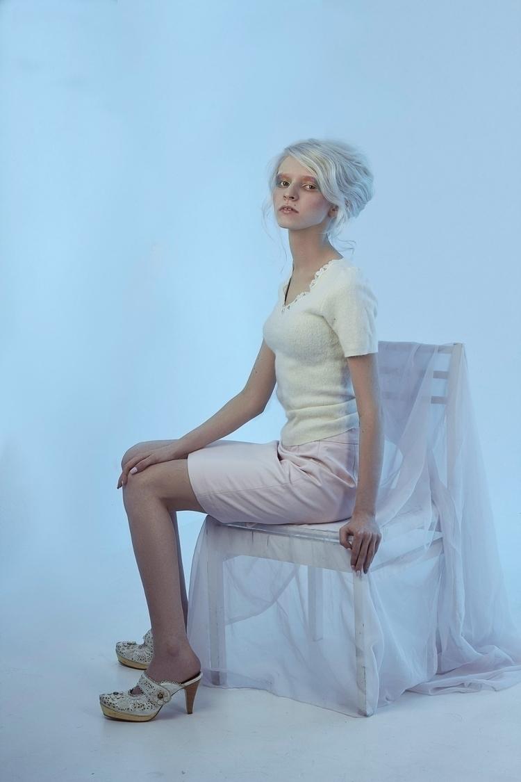 albino, ellonew, ellophotigraphy - laramerhes | ello