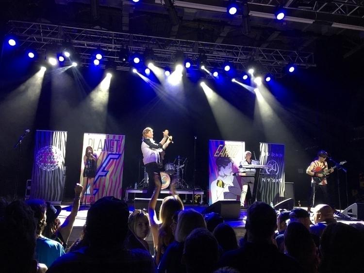 Duran cover band performing Hou - nicomartinez | ello