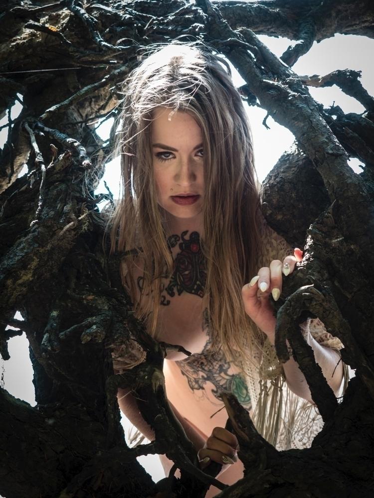 Model: Florance Fatale - photography - darkenergyphotography | ello
