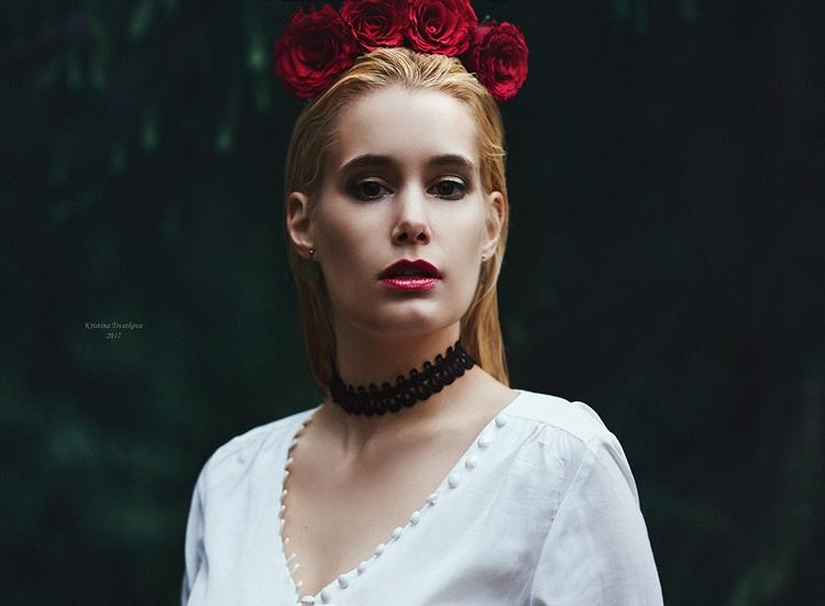 wild roses grow. Kristina Tsvet - dutchdoris   ello