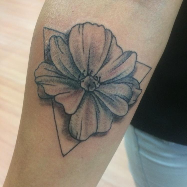 Fun - blackandgrey, flower, tattoo. - levigreenacres | ello