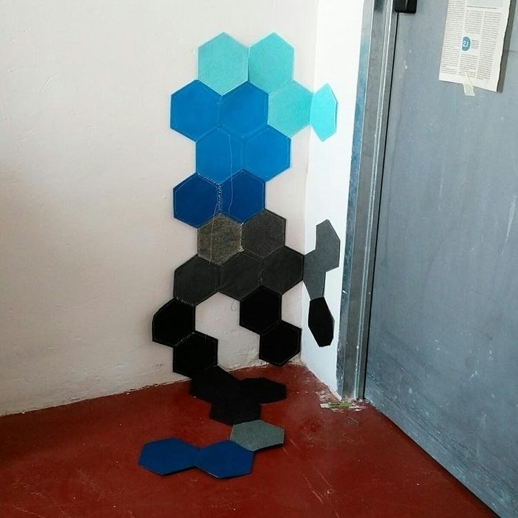 materials coming - carpet, acrylicfelt - hauering   ello