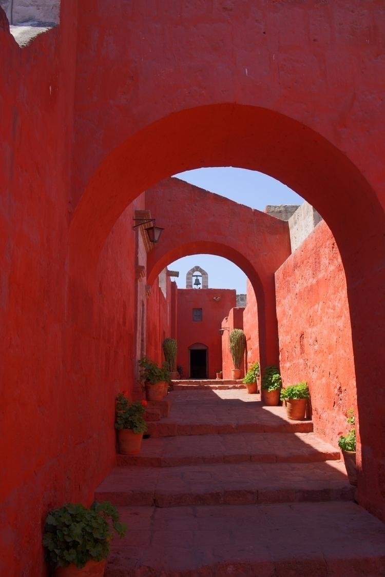 Bilder aus dem Kloster Santa Ca - weltfarben | ello