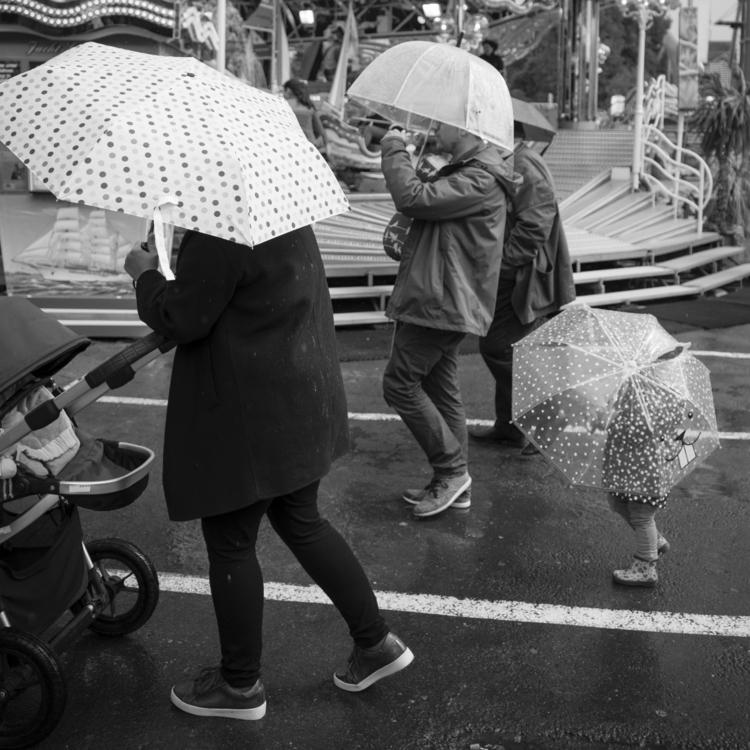 umbrella family - luxembourgcity - cdelas | ello