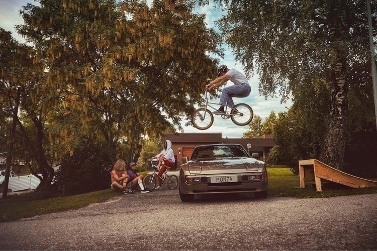 Jacob Nedler jumping Porsche 94 - monzabicycleclub | ello