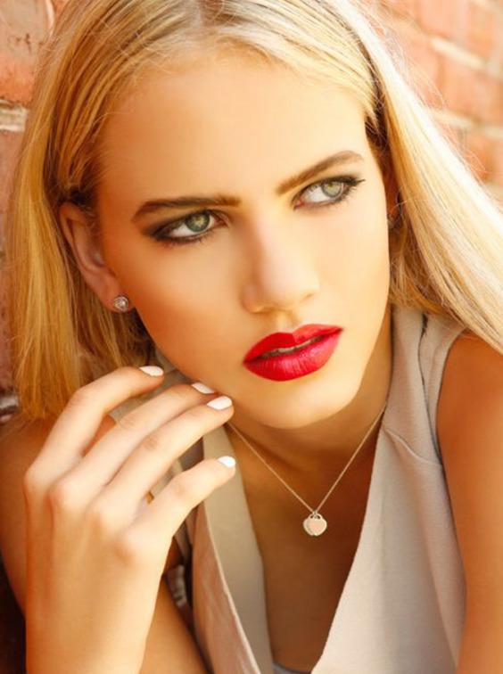makeup artist party, contact Si - simoneelise   ello