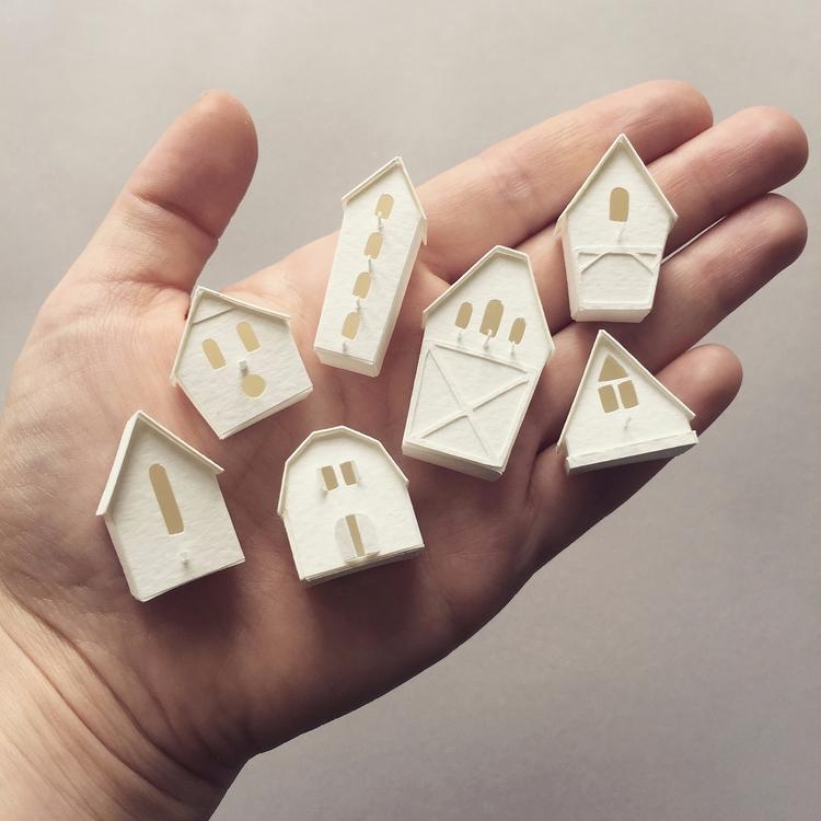 Tiny Birdhouses! looove details - veravanwolferen   ello