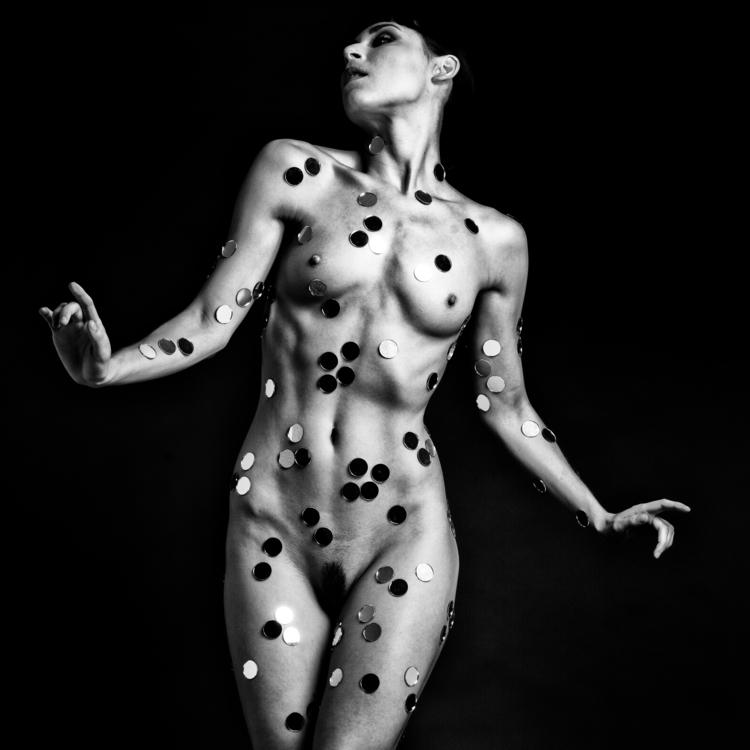 Kira image, sale website - 270, fineartnude - gunnarnettleshipphotography | ello