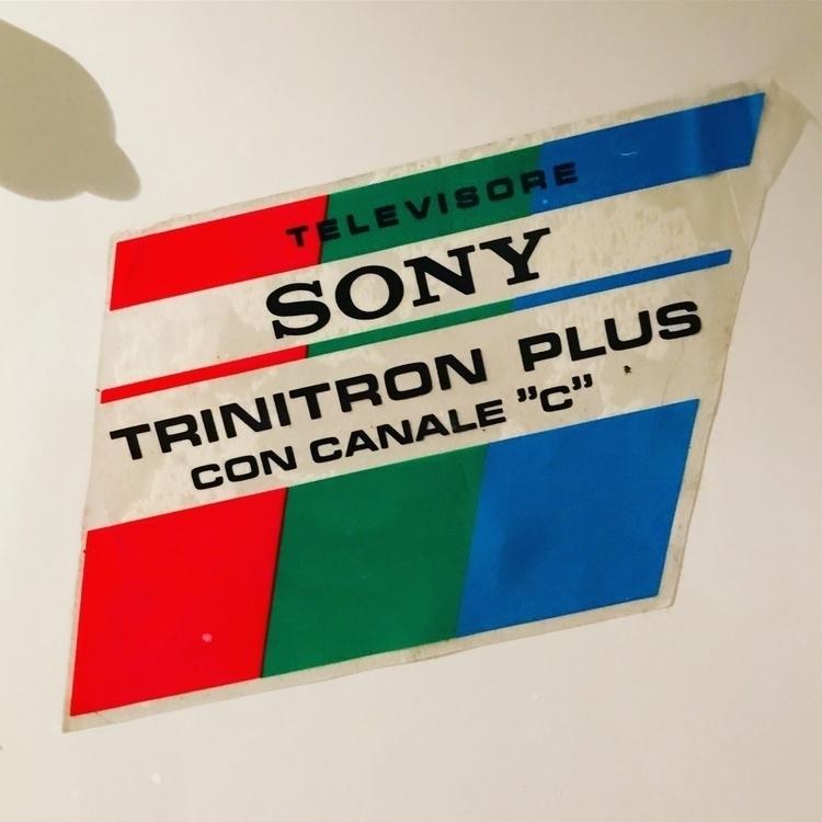 Adorable vintage Sony Trinitron - mamzero | ello