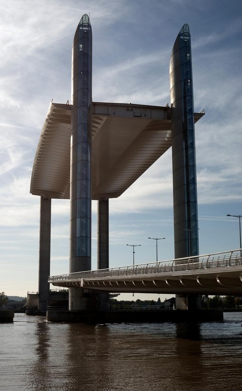 Le pont Chaban Delmas à Bordeau - gclavet | ello