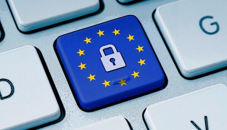 *European Sovereign Cyberspace - bruces   ello