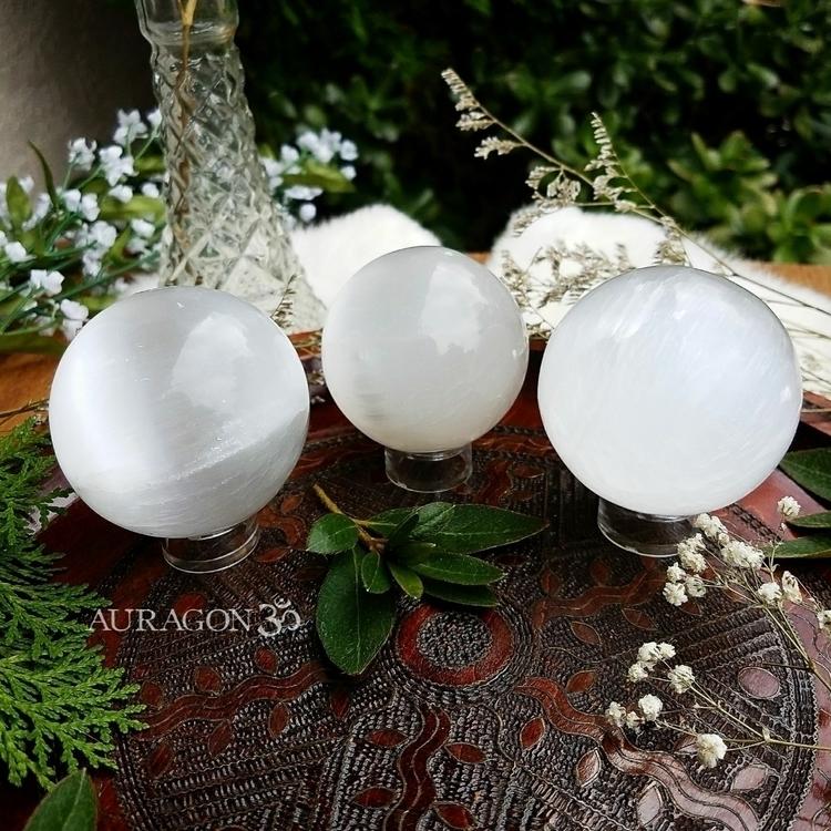 Sęłenîtę ◇ large Selenite cryst - auragon | ello