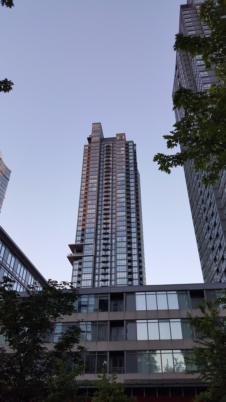 LQQK City Place, Toronto - architecture - koutayba | ello