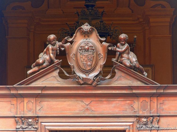 Milan (Italy): Coat arms top en - milanofotografo | ello