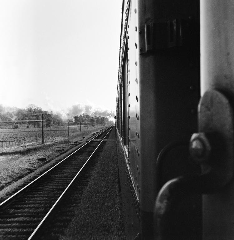 Ridin' train  - capnvideo | ello