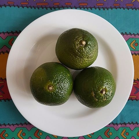 stop eating sweet juicy ( local - vicsimon | ello