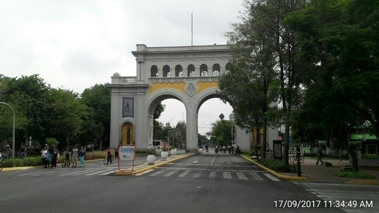 Los Arcos en Guadalajara - hermannpaz | ello