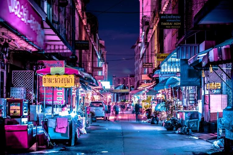 Bangkok Glow: Futuristic photog - benim_jbweb | ello