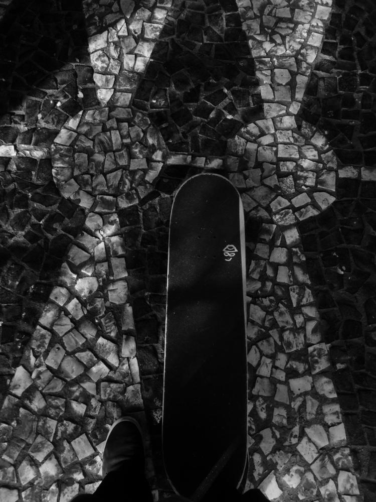 skate, bw, wack - lucas_reis | ello