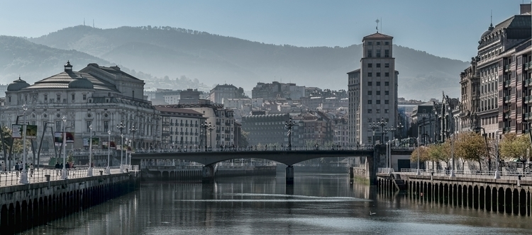Hazy Bilbao City autumn, Biscay - cateye_ | ello