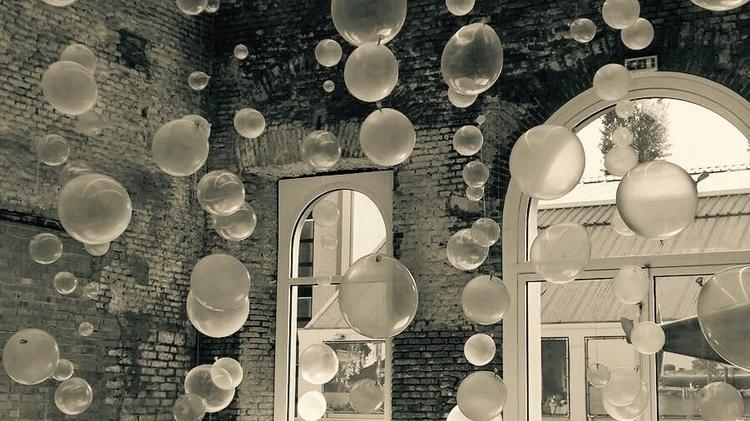 Bubbles balloons - momiroh | ello