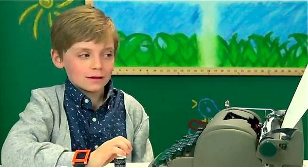 Watch tech-savvy kids act confu - bonniegrrl | ello