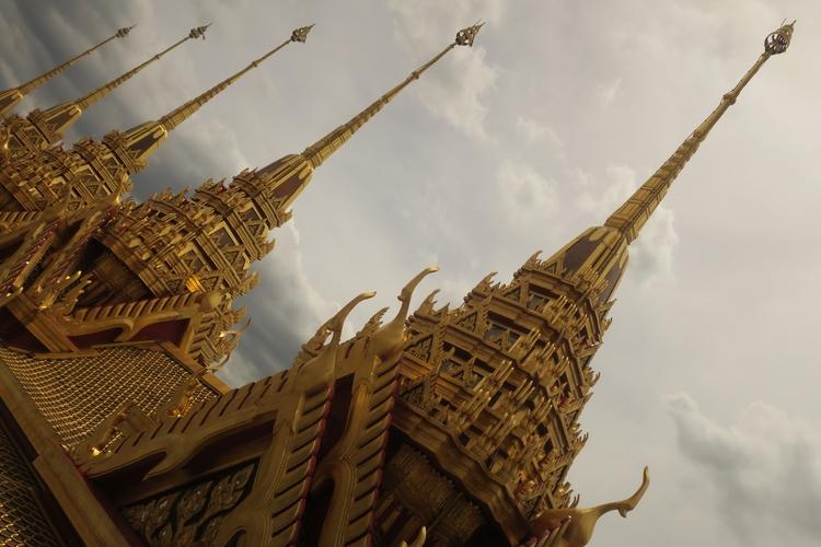 Wat Ratchanatdaram, Bangkok: le - sak_maax | ello