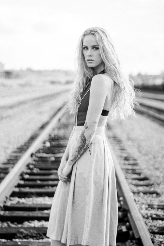 Dani Numa Models - aaronrisen   ello