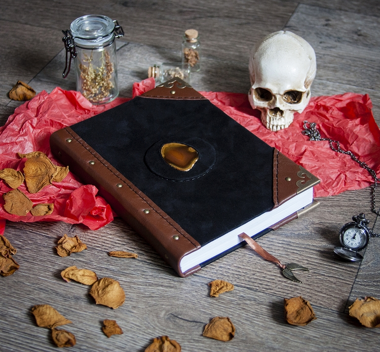 skull, agate, witchcraft, bookofshadows - dustyburrow | ello
