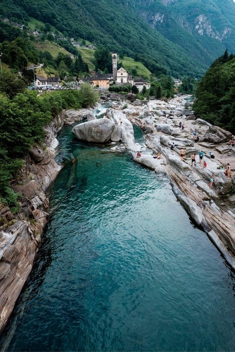 dive - Switzerland - jfobranco   ello