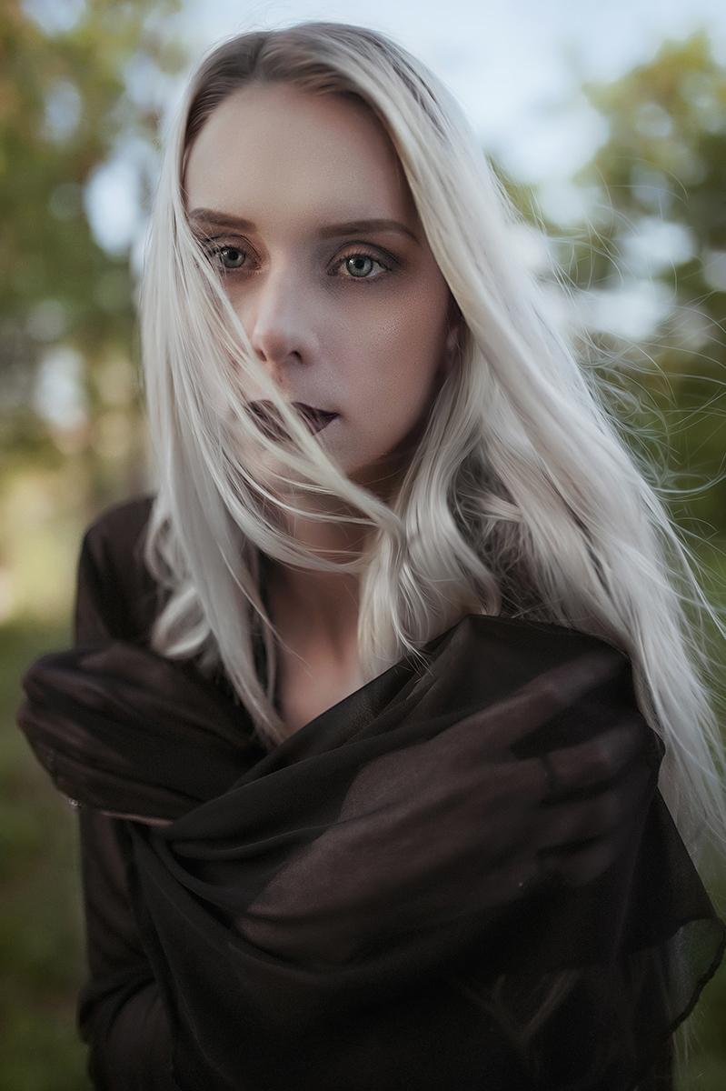 Photographer:Kacper Michalak M - darkbeautymag | ello