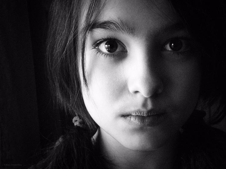 portrait, blackandwhite, girl - klaasphoto | ello