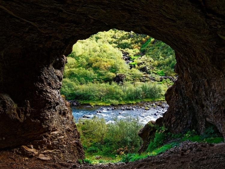 eye. Troll cave base Glymur hik - vikingisaverb   ello