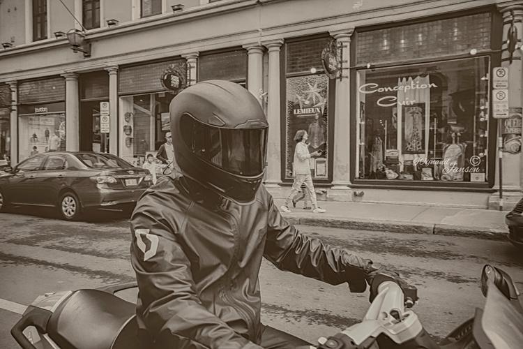 face lose motorcycle - artmen | ello