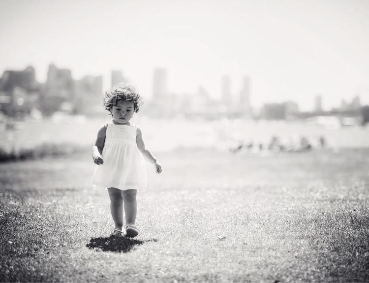 landscape, kid, young, free, blackandwhite - dimosca | ello