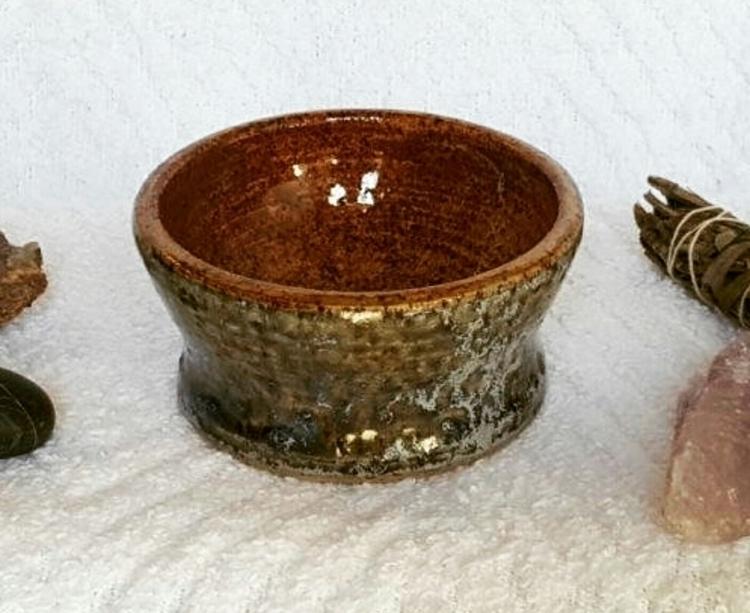 earthy salt/herb bowl shop, par - hiddenlegacy | ello