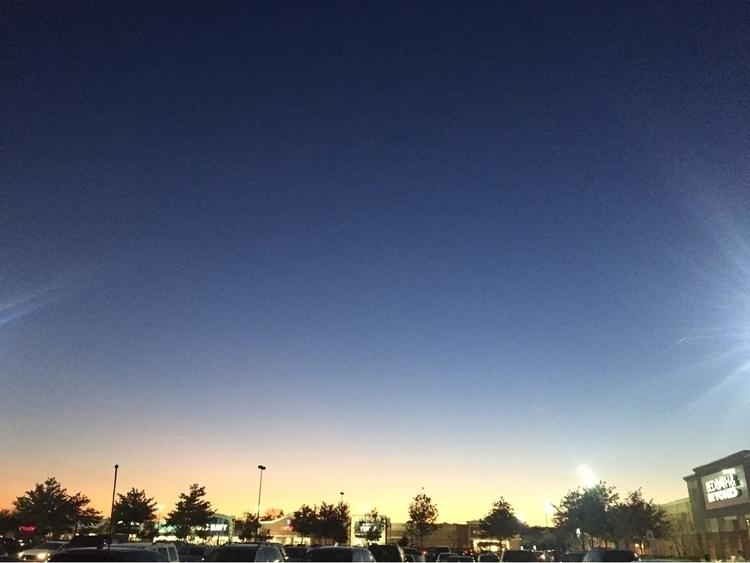 sunset parking lot - naturephotography - coolphotochic182   ello