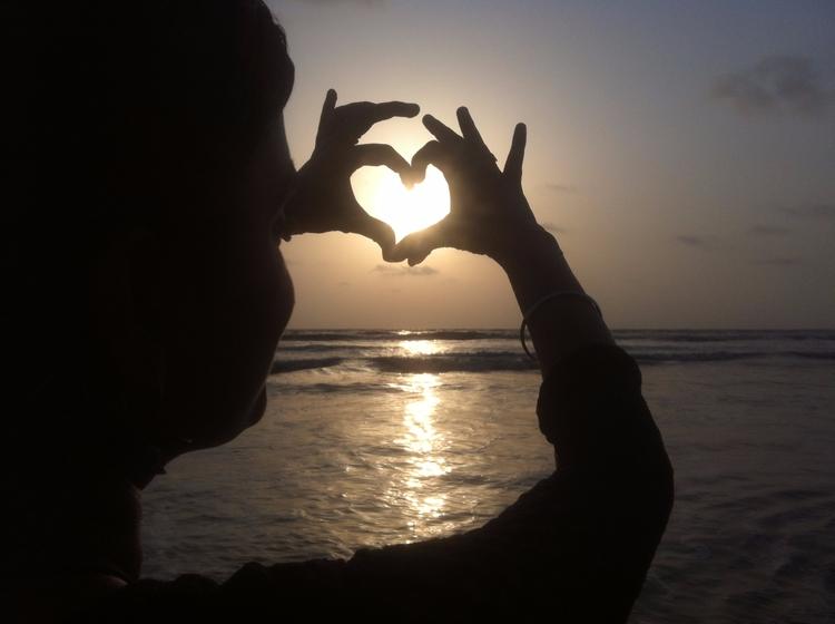feel alive - Beach, LowExposure - adarshsofficial | ello