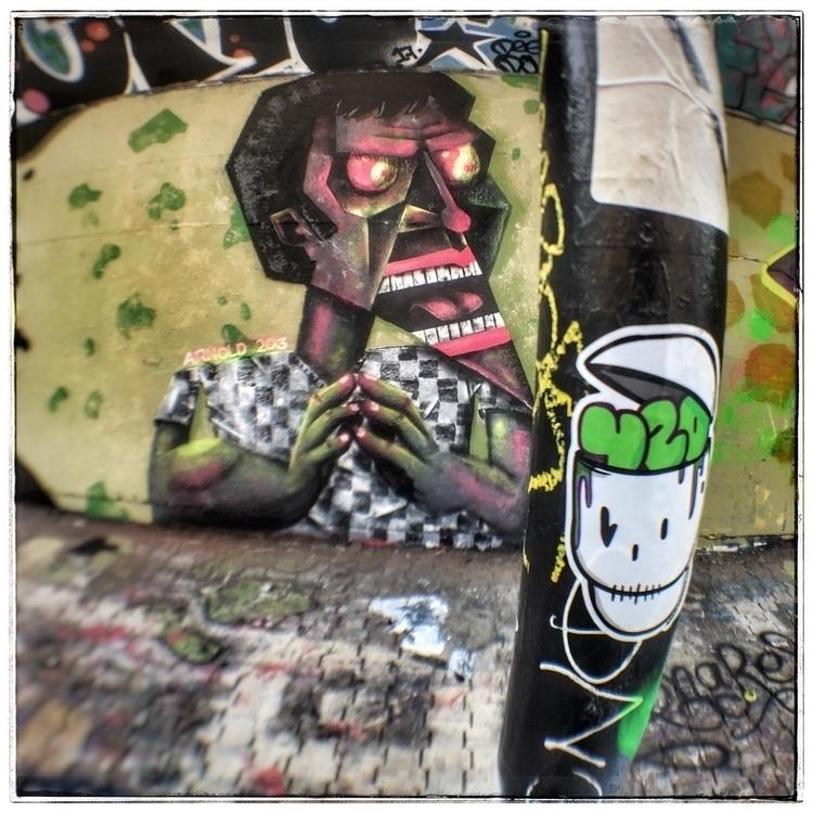 sticker Montreal - wannabeskull - arbel420aka | ello