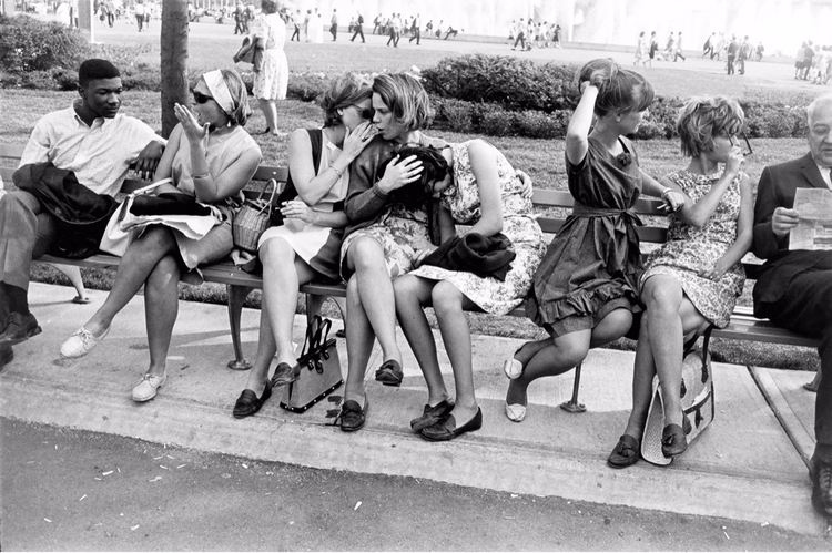 Garry Winogrand, Women beautifu - bintphotobooks | ello