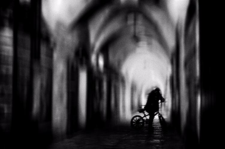 Silence - street, photography, bw - elhanans   ello