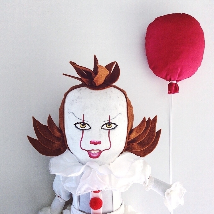 bit Halloween Pennywise clown - Etsy - alittlevintagedoll | ello