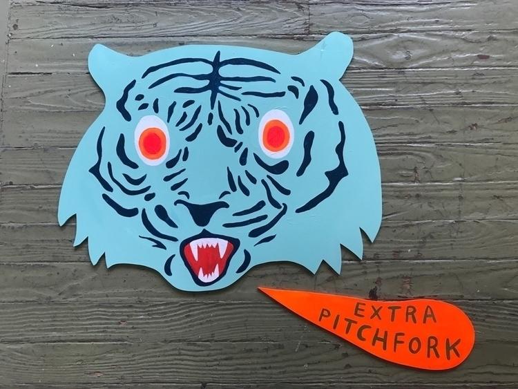cut animal heads show tonight F - martharich | ello
