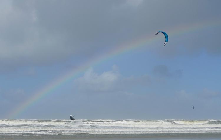 Surfing Rainbow - sabine | ello